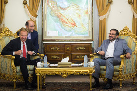 Tehran not to stand behaviors for keeping sanctions in place