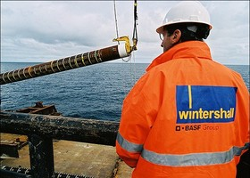 German Wintershall evaluates investing in Iran