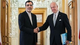 De Mistura, Iran envoy meet ahead of Astana meeting