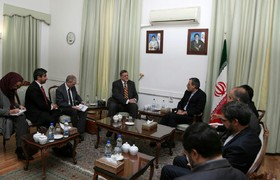 Zarif deputy underlines necessity to strengthen central government of Iraq