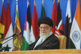 We are with every group that is steadfast on the path of Resistance: Ayatollah Khamenei