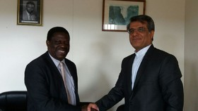 Iran, Zimbabwe discuss ways of developing economic ties