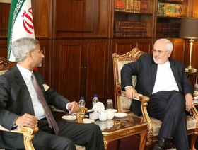 Zarif meets Indian first deputy foreign minister