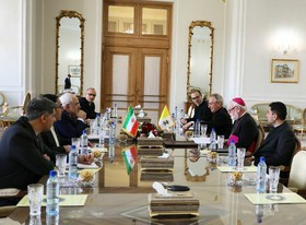 Holy See secretary for relations with states meets Zarif in Tehran