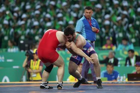 4 Iranian wrestlers advance to semi-finals of Asian Championships