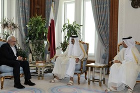 Iran FM, Emir of Qatar hold talks in Doha