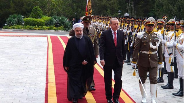 President Rouhani officially welcomes Turkish counterpart