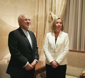 Iran'‎s Zarif, EU'‎s Mogherini hold talks in Kuwait