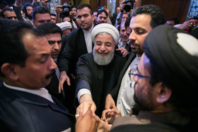 //Hassan Rouhani travels to India// Iranian president meets Indian religious scholars