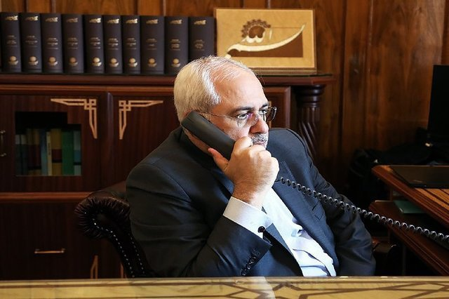 Iranian, French FMs hold phone conversation