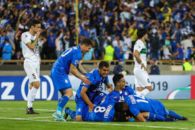 The two Iranian football teams Esteghlal and Zob Ahan played against each other in Round of 16, leg two of two and Esteghlal F.C. won by three goals to one.