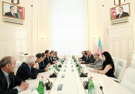 Iran, Azerbaijan to expand economic cooperation