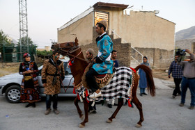 Groom should go to the house of bride with a horse and take her to the wedding ceremony. Although modern life has impacted on traditional customs especially on weddings, there are some families in Lorestan province who follow these customs.