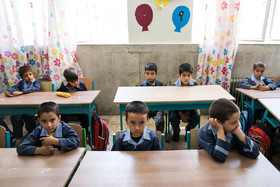 One of the first grade classes of Ali Asgari School / There are nearly 450 thousand immigrant students who live in Iran and receive free education like Iranian children.