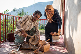 Reza used to cut down yew trees to earn money. Currently, he and his wife make handicrafts and sell them.