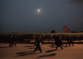 Some of the pilgrims prefer to walk toward Imam Hussain Holy Shrine in the nights.