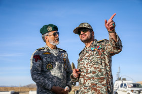 """(from right to left) Brigadier General Alireza Sabahi Fard and Rear Admiral Habibollah Sayyari / The press conference on joint air defense manoeuvre called """"Velayat 97"""" was held on Monday November 5."""