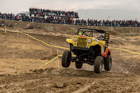 The third round of Iran's national off-road racing competitions was held in West Azebaijan province of Iran. There are many people who have come to Urmia Forest Park to watch the competitions.