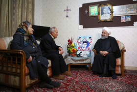 Fellow Armenian-Iranians devote themselves for protecting country: President Rouhani