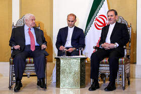 Iran's first Vice-President Es'haq Jahangiri (R) meets with Syrian Foreign Minister Walid Muallem,  Syria, January 29, 2019.