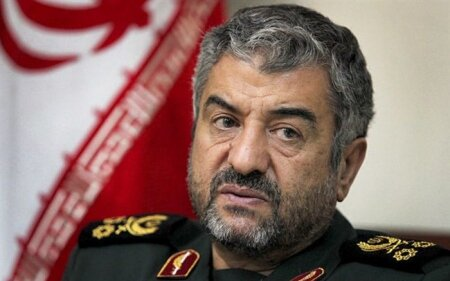 IRGC's chief commander warns Pakistan