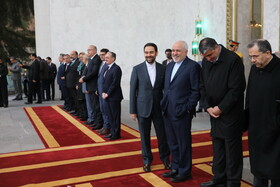 Zarif attends welcome ceremony for Armenian PM