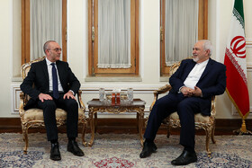 Iranian Foreign Minister Mohammad Javad Zarif (R) meets with Italian Senate's Foreign Committee Vito Rosario Petrocelli, Tehran, Iran, April 14, 2019.
