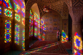 Tourists astonished at mosque of colours