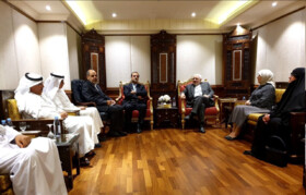 Zarif holds talks with members of Kuwait-Iran Friendship Association