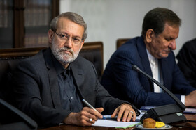 Iranian Parliament Speaker Ali Larijani (L) and Iranian First-Vice President Es'haq Jahangiri are seen in the session of Supreme Council of Economic Cooperation held in Tehran, Tehran, Iran, September 14, 2019.