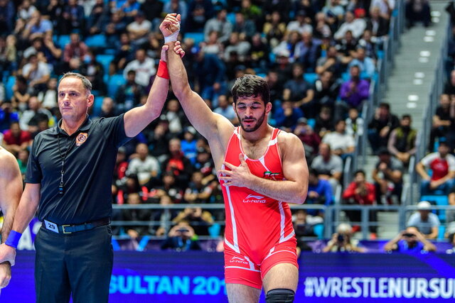 Hassan Yazdani claims title at World Wrestling Championships