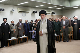 Leader meets with personnel of martyrs congress of Markazi Province