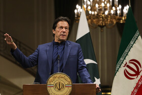 Pakistani Prime Minister Imran Khan delivers a speech in his joint press conference with Iranian President Hassan Rouhani, Tehran, Iran, October 13, 2019.