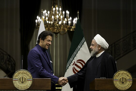 Iranian President meets with Pakistani PM