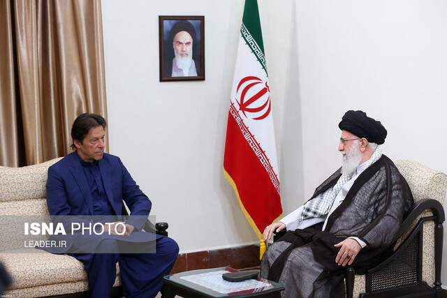 Iran's Leader meets with Pakistani PM
