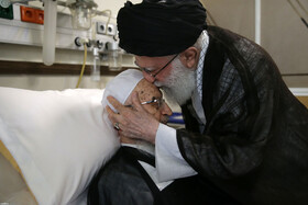 Iran's Leader visits Ayatollah Makarem Shirazi at hospital