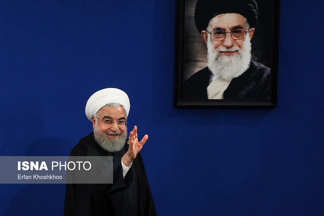 Iranian President attends press conference with domestic, foreign media