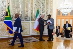 The South African delegation headed by the Minister of International Relations and Cooperation of South Africa, Naledi Pandor, is welcomed by Iranian Foreign Minister Mohammad Javad Zarif, Tehran, Iran, October 16, 2019.