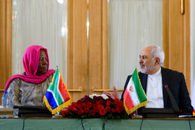 A meeting between Iranian Foreign Minister Mohammad Javad Zarif (R) and the Minister of International Relations and Cooperation of South Africa, Naledi Pandor, is held in Tehran, Iran, October 16, 2019.