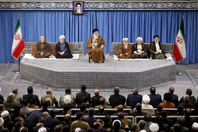Participants in 33rd Intl. Islamic Unity Conference meet with Iran's leader