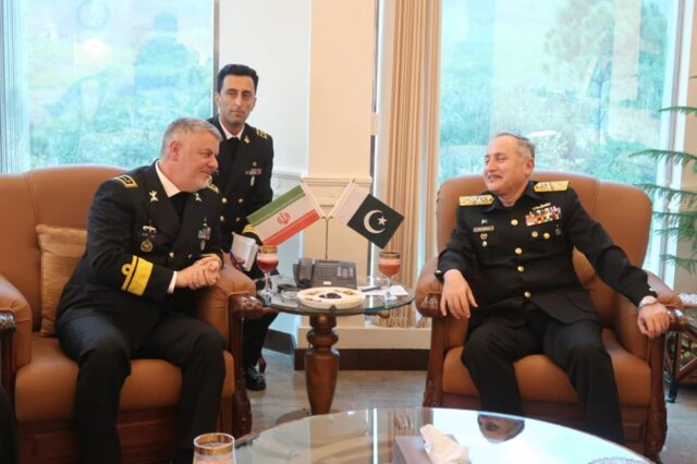 Iran, Pakistan stress on expansion of naval cooperation