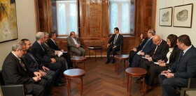 Zarif's senior assistant meets Syrian President Assad in Damascus