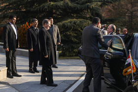 Syrian PM arrives in Tehran