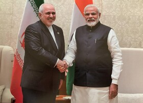 Iran FM meets with Indian PM