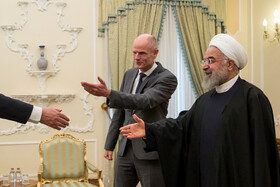Iranian President meets with Dutch FM