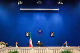 Iranian President meets with academic, seminary intellectuals
