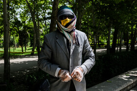 Wearing face masks amid the outbreak of the new coronavirus, Mashhad, Iran, June 8, 2020. People have got used to the coronavirus so that questions about the daily new cases, death toll and the end of the coronavirus pandemic are not asked as frequently as they were asked in the beginning.