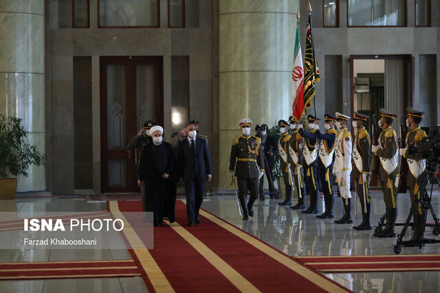 President Rouhani officially welcomes Iraqi PM