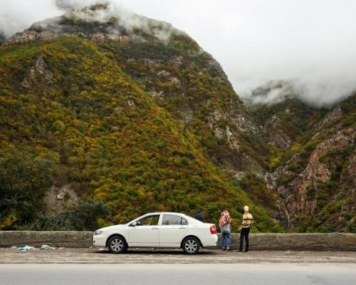 How to rent a car in Iran?