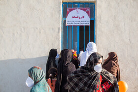 On the sidelines of the distribution of food aid and healthcare materials by the Iranian Red Crescent Society in a rural district of Sistan-Baluchestan, Iran, September 17, 2020.